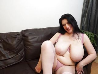 Sex-mad Milf Sabrina Caresses their way brawny bowels with an increment of buxom Cunt
