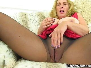 Brit cougar Camilla internal cumshot needs orgasmic sheer pleasure