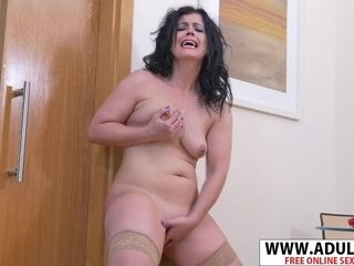 Tastey cougar Gets astounding climax