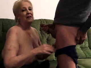 Cent Sneddon deep throating manmeat 26-11-18