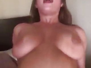 Arbitrary squirting scurrilous housewife