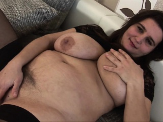 Super BBW down stockdowngs gives blowjob