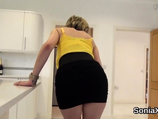 Adulterous brit mature woman sonia showcases off her big titty
