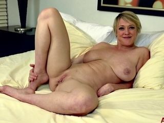 Short-haired blonde hair mature Dee Williams
