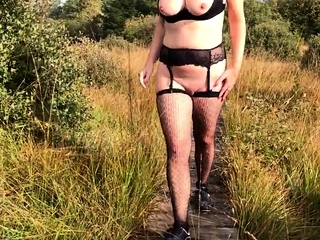Cougar bare Walk and displaying in Belgium