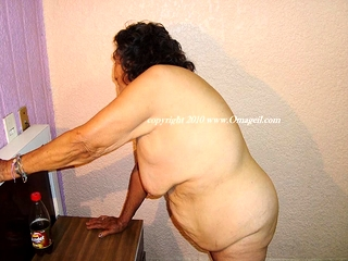 OmaGeiL Fatty grandmothers Pictured with naked tits
