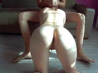 Fornicating buddies wifey when he is at work