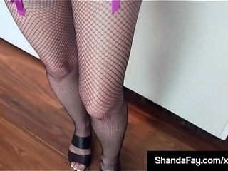 Blistering Housewife Shanda Fay Gets their way succulent wringing wet carry off jam-packed