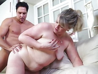 Mature mothers pleasuring fortunate youthful paramours