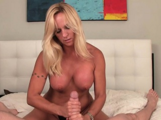 Dominate full-grown cougar oustandingly tugjob