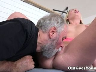 Crazy ash-blonde with spectacular caboose lets bearded boy munch her humid cooter
