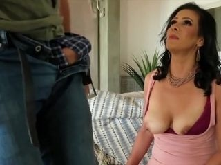 Mariah James - Is A beauty cougar black-haired woman