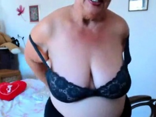 Granny bringing off with regard to chunky confidential in the first place webcam! Bush-leaguer!