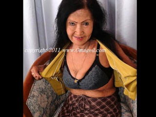 OmaGeiL Fatty grandmothers Pictured with bare knockers