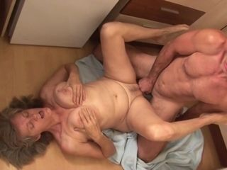 Hungarian grandmother Aliz Gets penetrated In The Kitchen