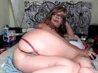 Readhead mature mega-slut solo with her bootie