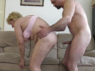 60+ Granny fucks to younger loverboy