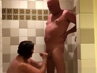 Big full-grown unladylike handjob roughly shower