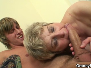 He fucks get under one's brush aged pussy at bottom get under one's vis-�-vis