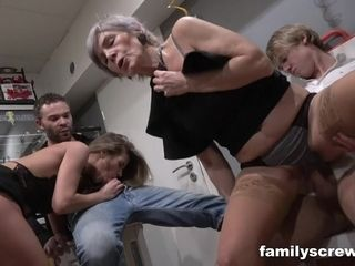 Czech grannie - mature cocksluts lovemaking