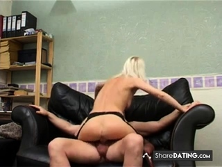 Brit cougar inexperienced assfuck in pantyhose.