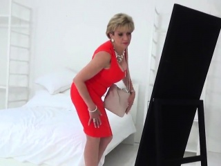 Adulterous brit cougar gill ellis uncovers her ginormous globe