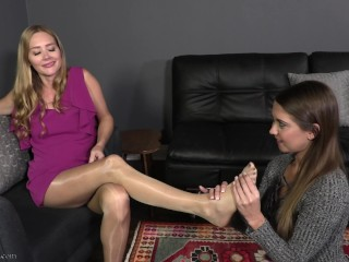 Hypnotized wifey 2 - Chrissy Marie & starlet 9 - total vid