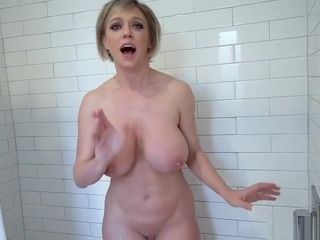 Stagging son-in-law caught a super-naughty buxomy cougar step-mom alone