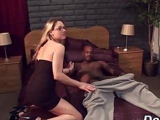 Milky wifey Amanda gargle is pummeled by a ebony stud as Her spouse witnesses