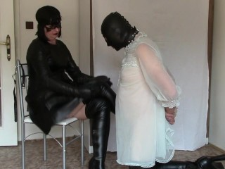 Leather domme, part one: mittens spanking and HOM