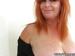 Brit cougar Ginger Tiger gets dirty in shower