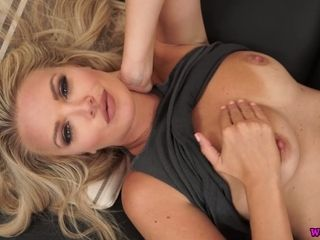 Mesmerizing glamours blond Ashley Jayne gets nude and plays with twat