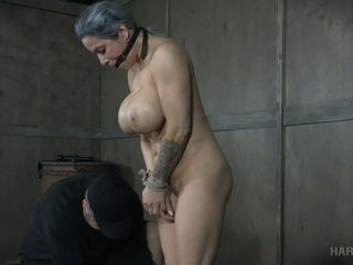 Changeless doomed leader mollycoddle Alyssa Lynn gets the brush pussy punished forth vibrator