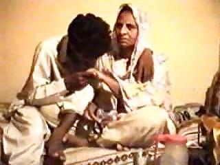 Pakistani Punjabi fellow penetrating insatiable mommy in law with sheer pleasure