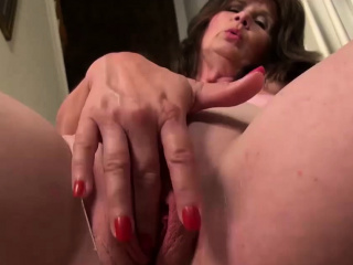 USAWives super hot wifey Jade is fapping her humid vulva