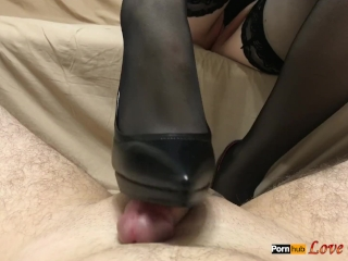 Cavalier heels footjob - cum insusceptible to kiss someone's arse