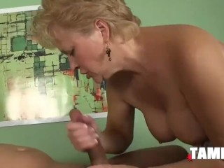 Mature blond providing a cute bj