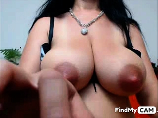 Web cam dame - big nips and thick milk melons