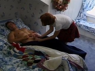 Soroity damsel gets tidy before she plumbs