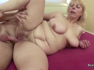 Mommy I´d Like To pulverize entice Step-Son to Bang with Wake Up blow-job