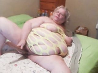 SSBBW granny poking wet vagina with big sex toy