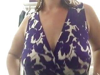 Chubby titties Milf Showyong titties yon cabyon