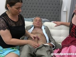 Youthful hottie Housemaid Learns How To pulverize elder