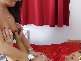 OldNannY cougar girl-on-girl and Camilla internal cumshot