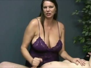 Revved me on seeing that huge-boobed massagist wank off her customer on camera