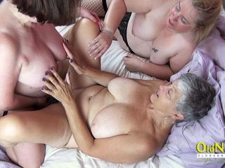 OldNannY 3 Mommies using playthings on Sexclinic