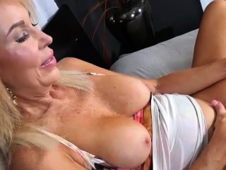 X MILF Erica Lauren Rubs duo widely