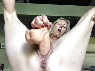 Dildo,Dirty Talk,Mutter,Nippel,
