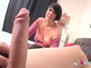Short-haired cougar makes enjoy with junior stud at the audition