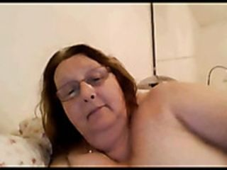 I address less off colour granny skim through skype with the addition of she shows me what she got
